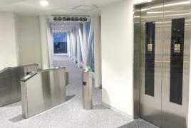 山麓駅エレベーター