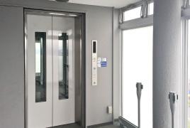 山頂展望台エレベーター