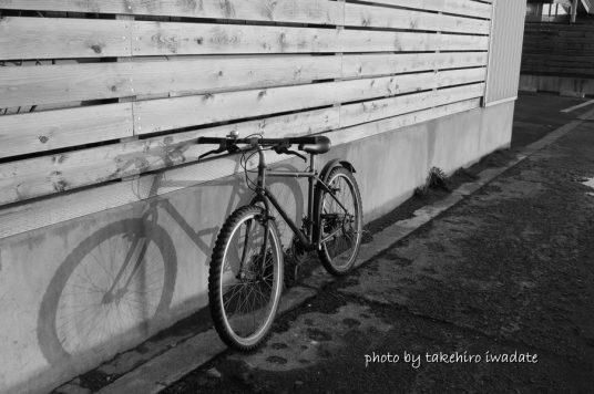 自転車モノクロ